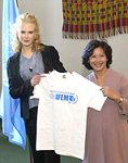 Nicole Kidman & then UNIFEM Executive Director Noeleen Heyzer